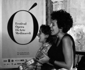 2014'IX. Medinaceli (Soria). Palacio Ducal - Festival Ópera De Arte - Eva y Sonia cantando